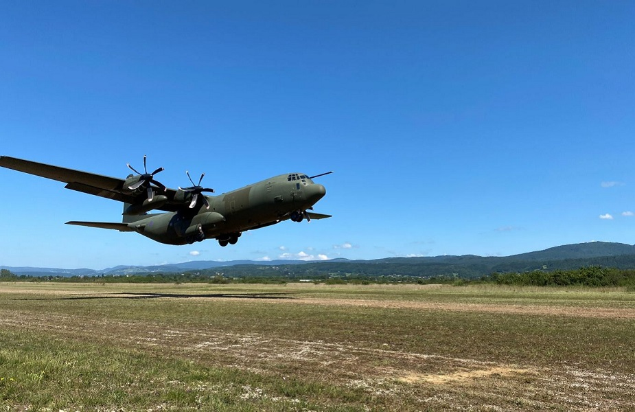 https://airrecognition.com/images/stories/news/2021/august/France_and_UK_conduct_Joint_Tactical_Air_Traffic_Control_training-02.jpg