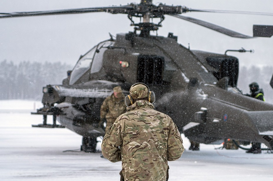 https://airrecognition.com/images/stories/news/2021/march/UK_Army_Apache_helicopters_tested_in_the_arctic_circle-02.jpg