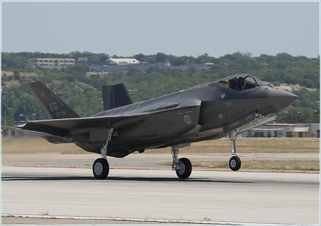 The Japanese government made a formal decision on Tuesday to choose the F-35 stealth jet, which is being developed by the United States and eight other countries, as the country's next-generation fighter jets. The Security Council of Japan, presided over by Prime Minister Yoshihiko Noda, made the final decision by taking into consideration the key factors including the aircraft's performance and cost, according to government officials.